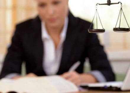 Изображение - Как найти имущество должника физического лица yurist-bankr-440x315